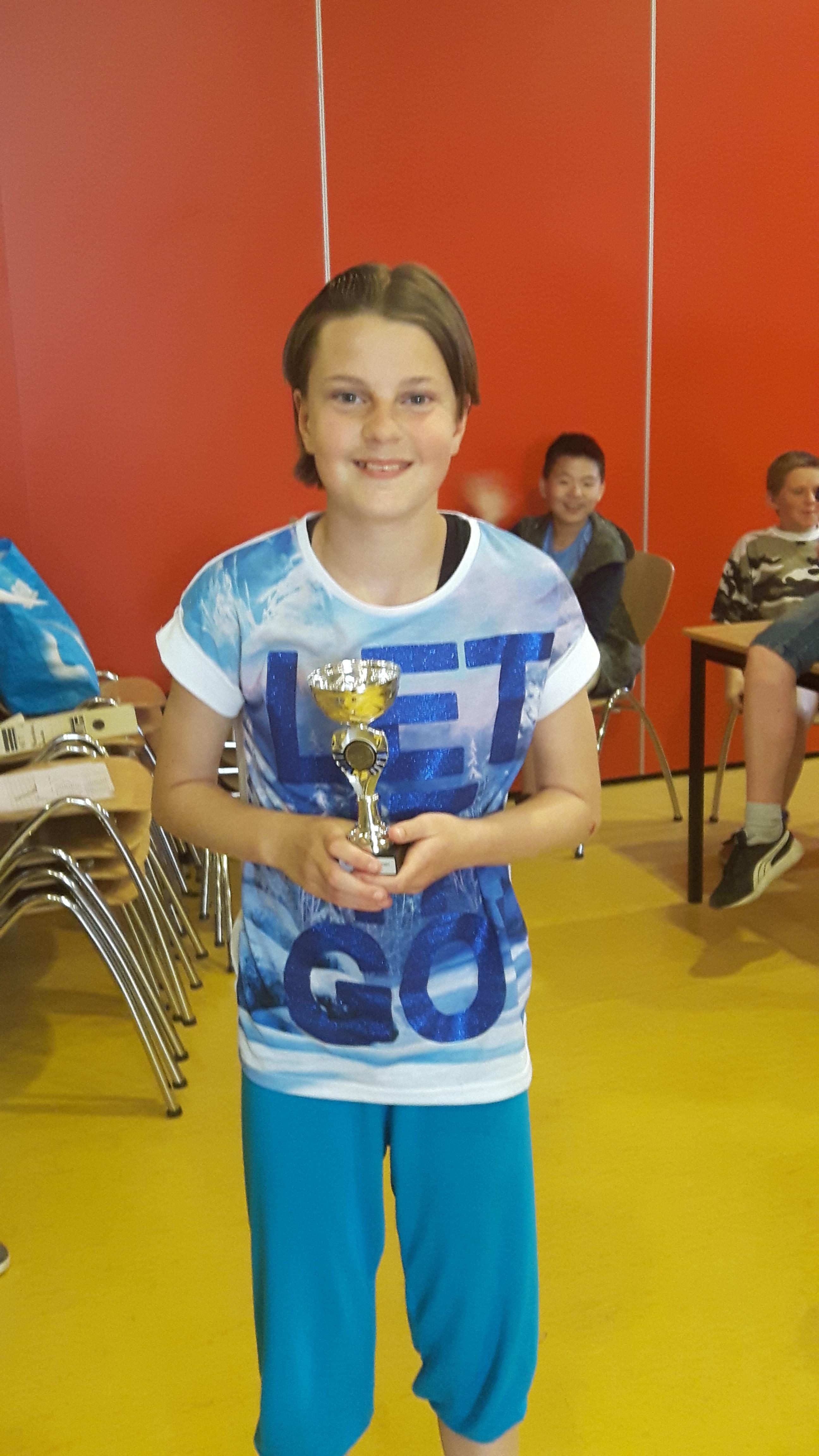 12 jarige Kyra van Driel uit Heiligerlee     3e bij Groningse titel sneldammen